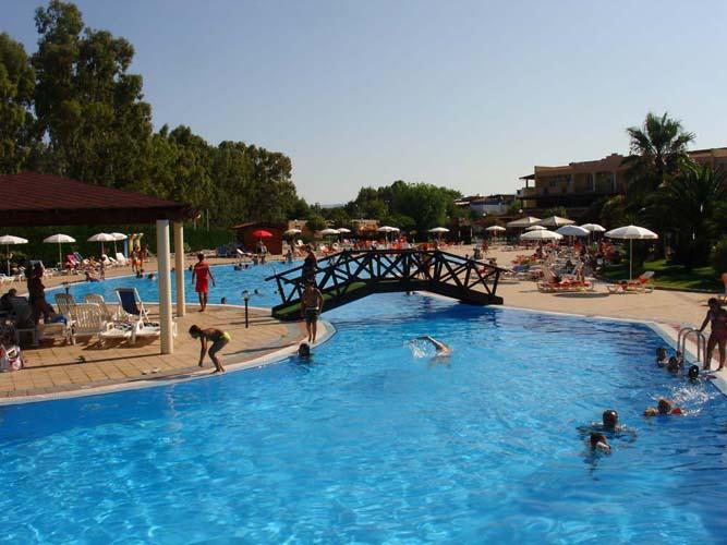 nova-siri-piscina_02