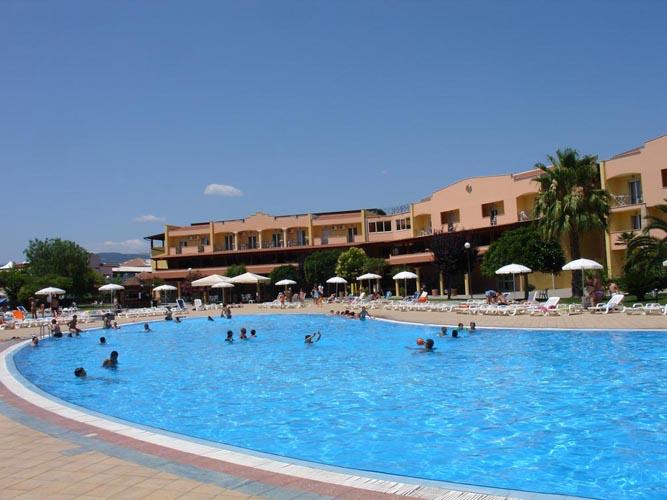 nova-siri-piscina_03