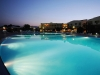 nova-siri-piscina_notturna